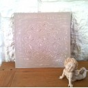 Cadre rosace relief taupe effet shabby